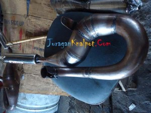 Vespa Kolong Kanan Repsol Chrome